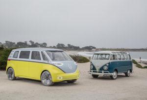 Der I.D. Buzz (l.) und der Ur-Bulli von VW