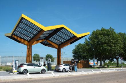 Hippe Schnellladesäulen für E-Autos