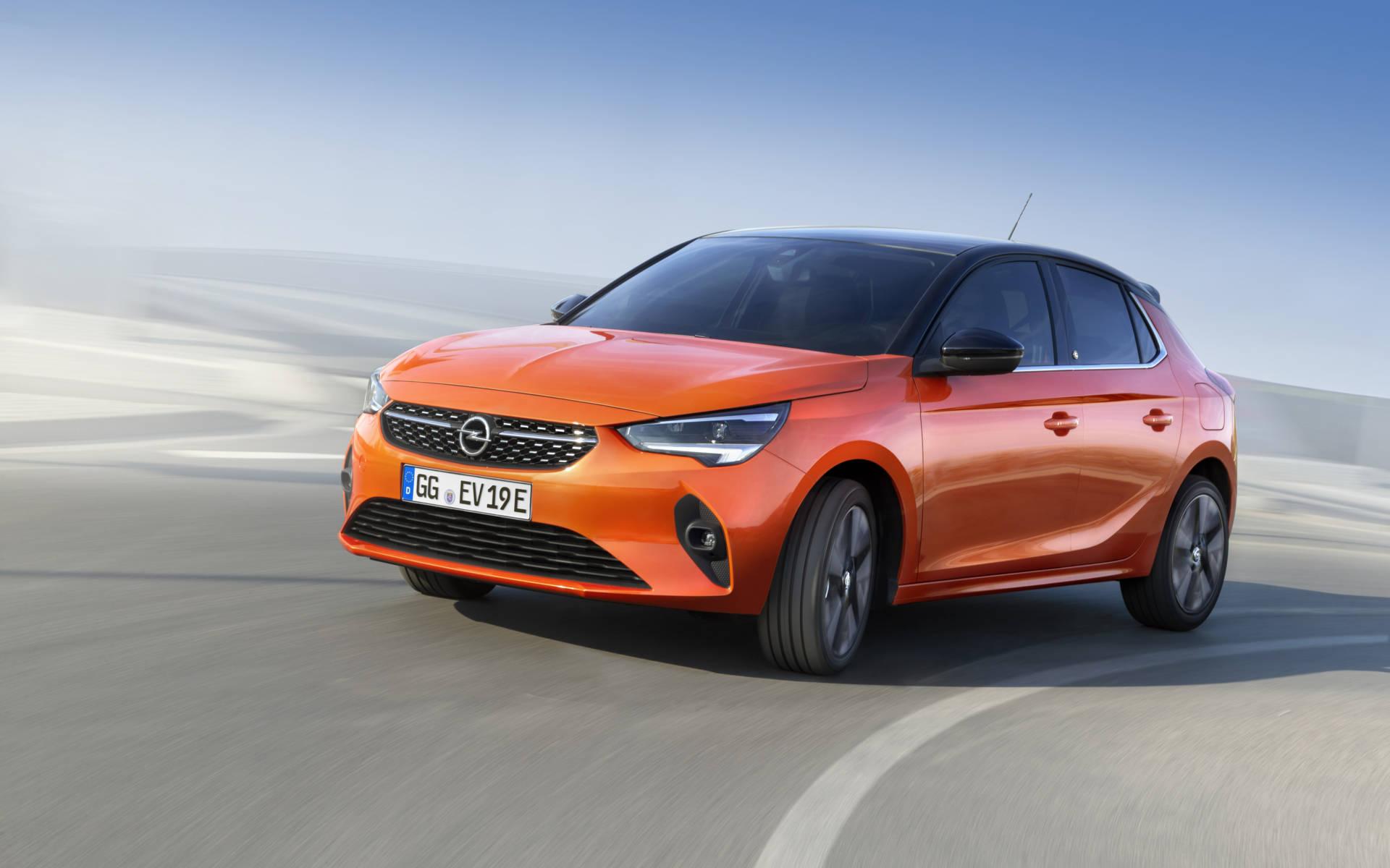 Orangener Opel Corsa e Elektroauto