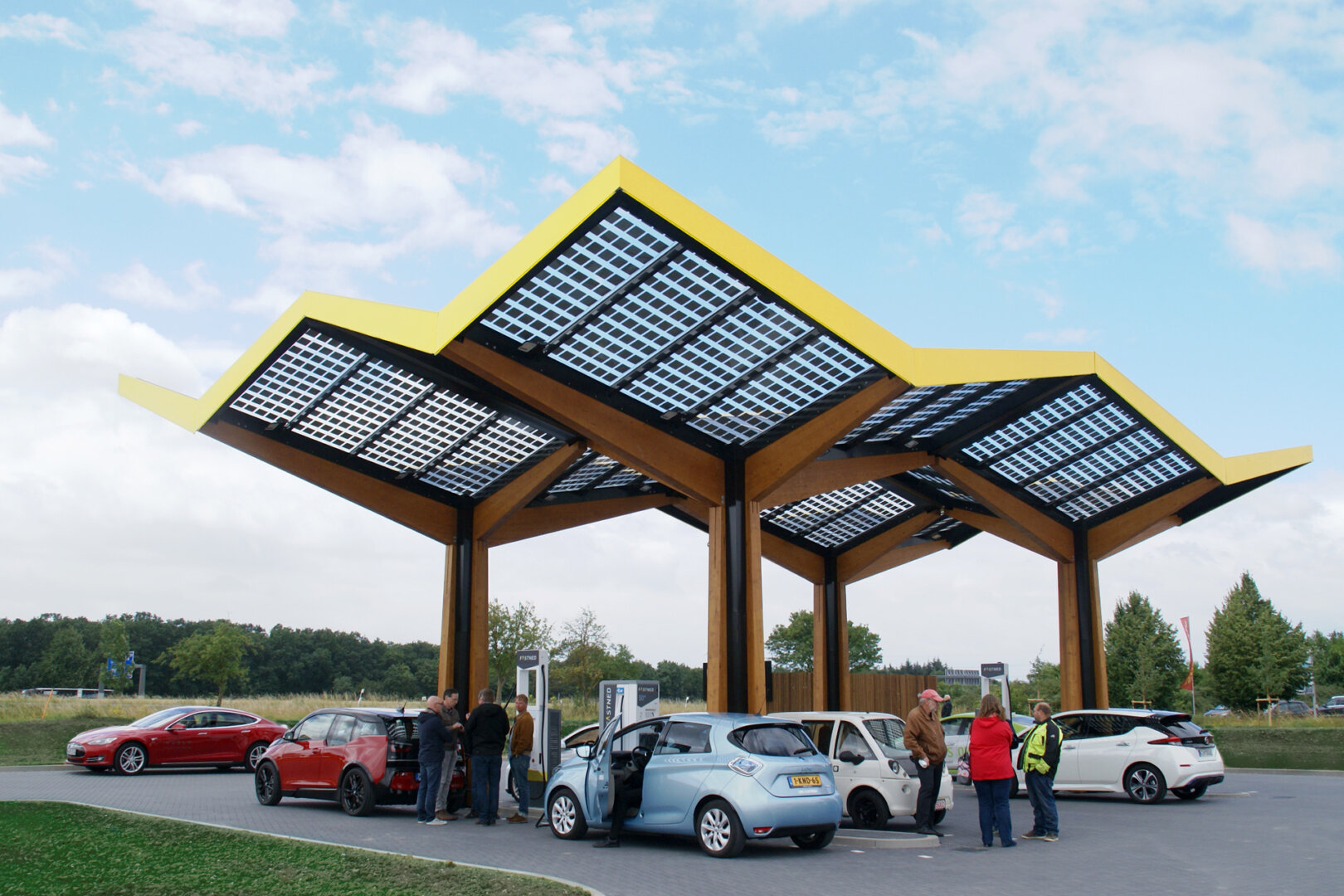 Fastned Schnellladestation Limburg