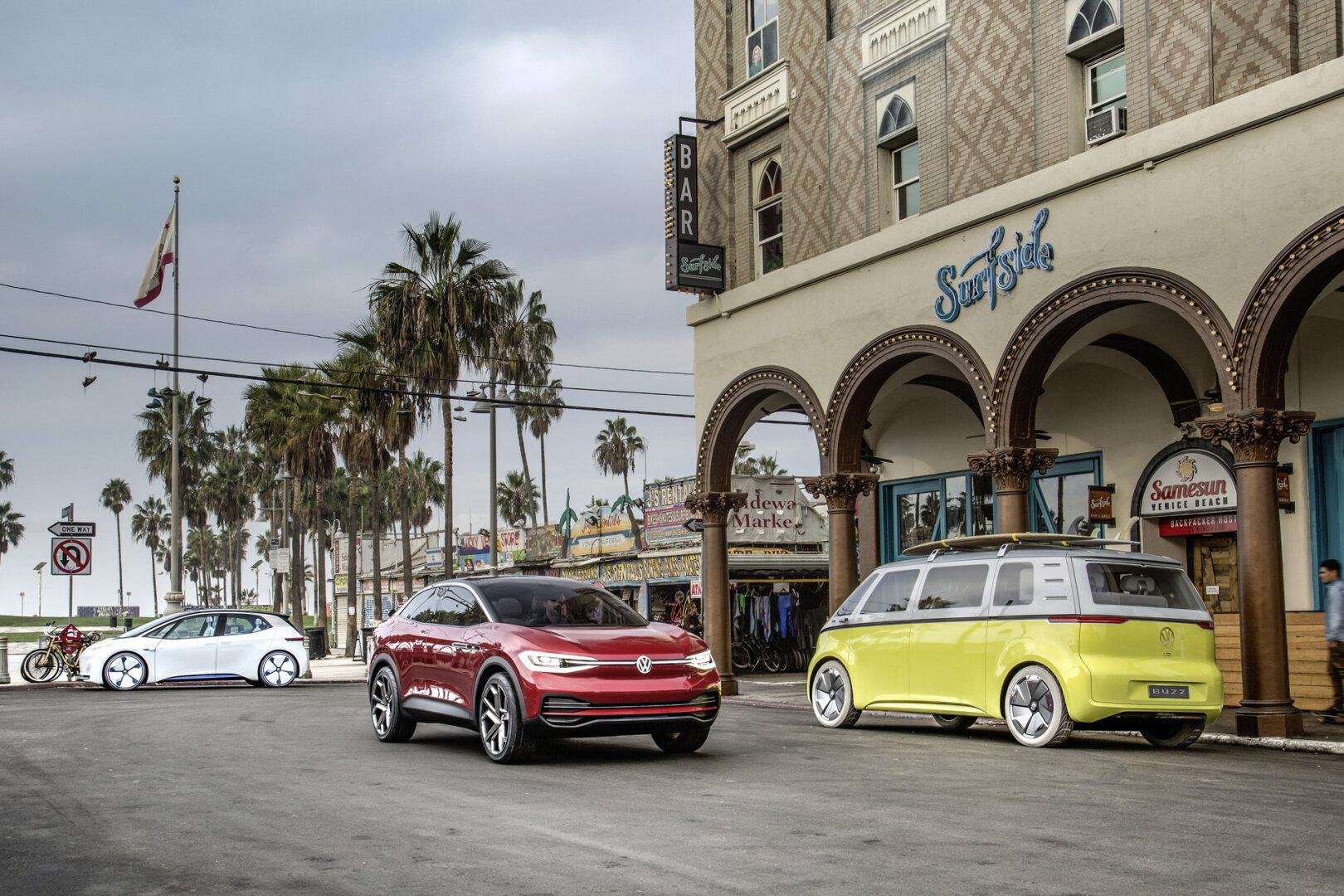 Drei I.D. E-Autos von VW