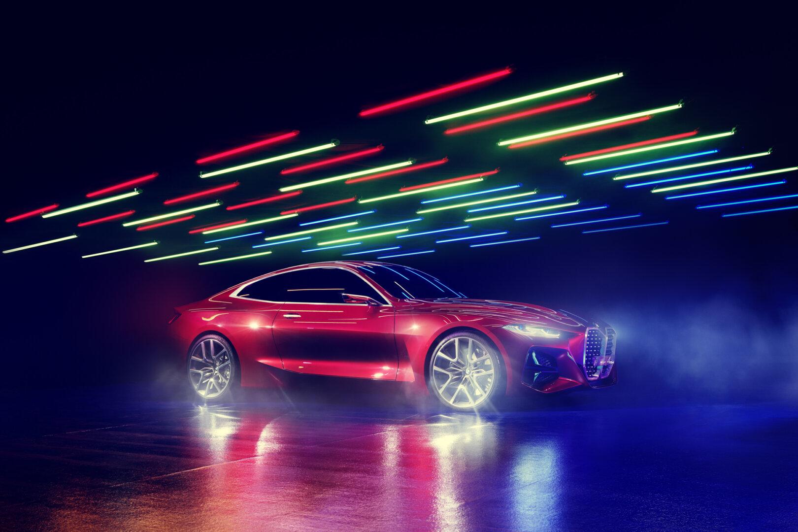 Roter BMW Concept 4 Elektroauto