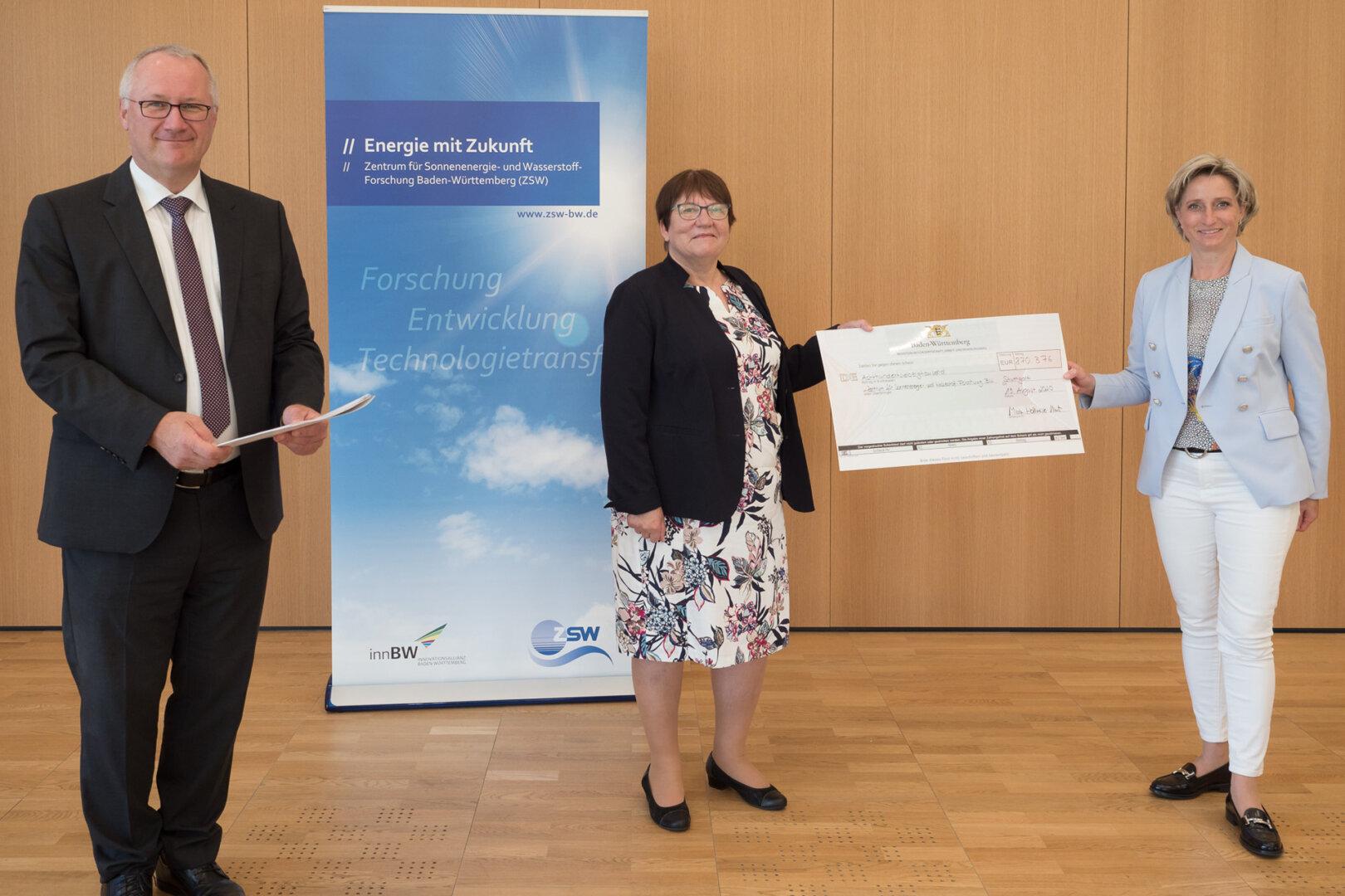 Förderbescheid Zentrum für Sonnenenergie- und Wasserstoff-Forschung Baden-Württemberg