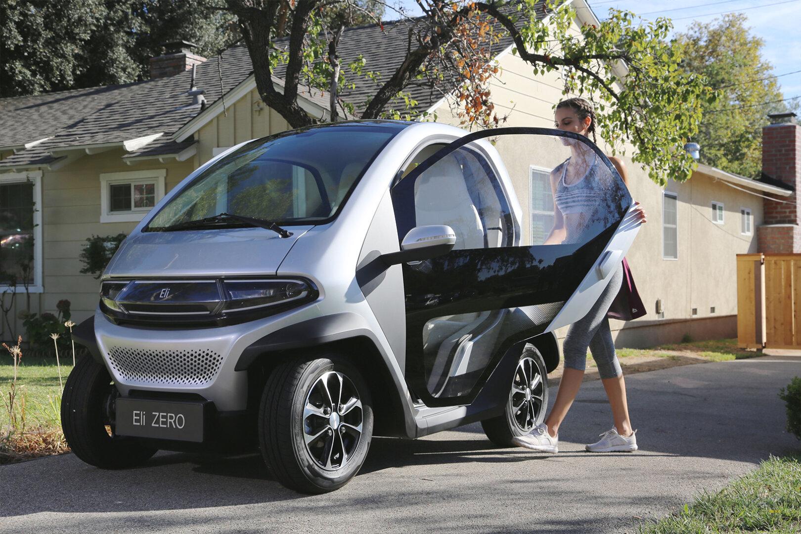 Silberner Eli Zero Elektroauto